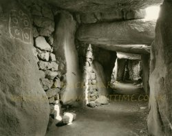 Click to a larger version of Les Pierres Plates Passage Grave, Brittany: photo © Mick Sharp