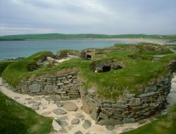 Click to a larger version of Skara Brae Neolithic Village, Orkney Mainland (Historic Scotland): photo © Jean Williamson