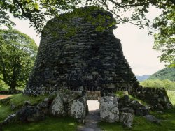 Click to a larger version of Dun Telve Broch, Glenelg, Highland (Historic Scotland): photo © Mick Sharp