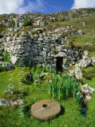 Click to a larger version of Loch Baravat Norse Mill, Cnip, Isle of Lewis: photo © Mick Sharp