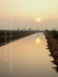 Click to a larger version of Royal Military Canal, Romney Marsh, Kent: photo © Jean Williamson