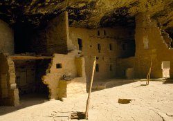 Click to a larger version of Spruce Tree House, Mesa Verde, Colorado, USA. Photo © Jean Williamson